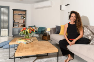שיפוץ דירה בחולון - סלון פינת ישיבה