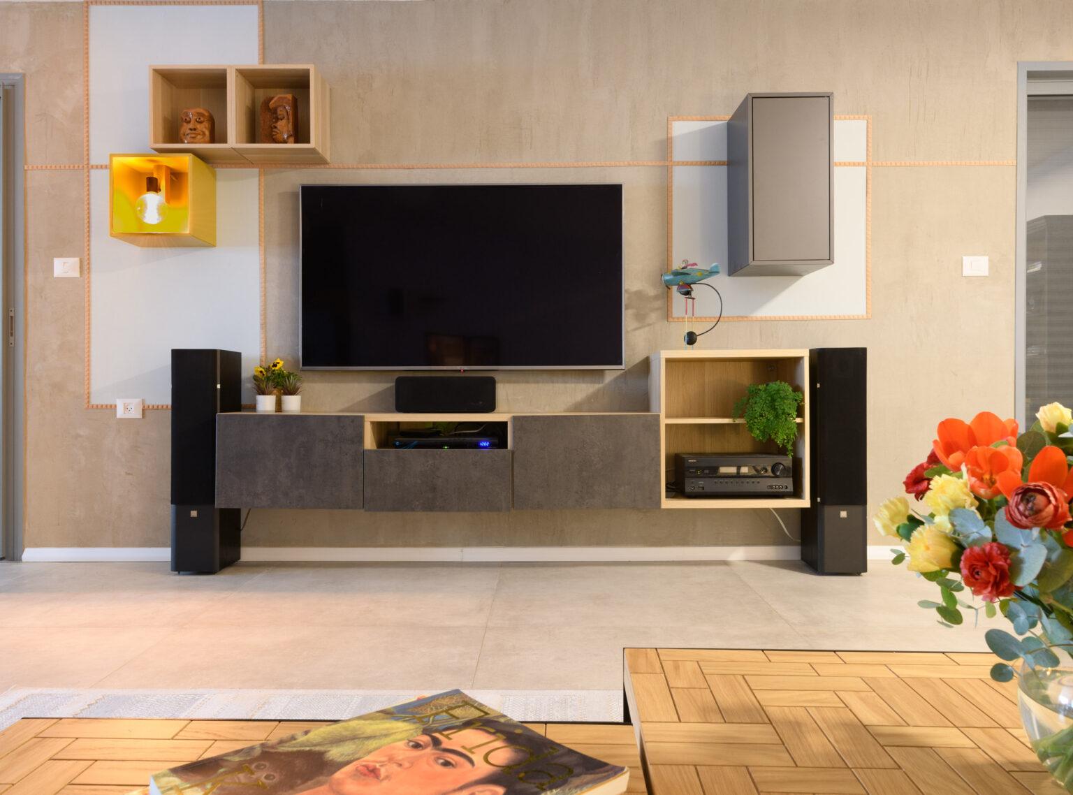 שיפוץ דירה בחולון - פינת טלוויזיה